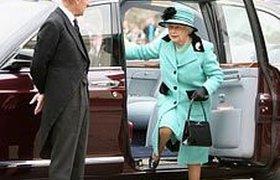 Британская королева пересаживается с Rolls-Royce на японскую Toyota Pruis