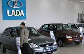 """Продажи """"АвтоВАЗа"""" за июль неожиданно выросли на 12,4%"""