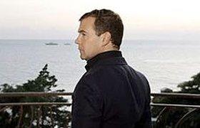 Медведев обвинил Ющенко в антироссийском курсе и не пустил посла на Украину