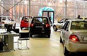 Весь мир выбирает в кризис недорогие автомобили