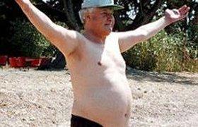 Пьяный Борис Ельцин гулял в неглиже возле Белого Дома в Вашингтоне