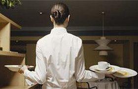 """Официанты в """"Росинтере"""" получают лишь 80% от чаевых"""