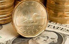 Центробанк вложит резервы в канадские доллары