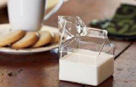 Молочник в форме пакета