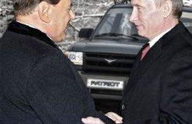 Путин продал Берлускони российский джип UAZ Patriot