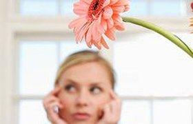 Треть женщин не ждут от коллег и работодателей на 8 марта даже цветов