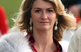Ювелир из США выбивает долг у русской бизнес-леди за кольцо в $3,6 млн