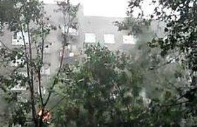 Почти 100 тыс. человек остались без электричества из-за урагана на северо-западе России. ВИДЕО