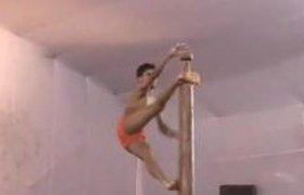 Танцы от индийского гимнаста