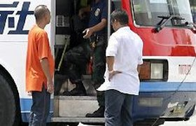 На Филиппинах полицейский взял в заложники автобус с туристами. ФОТО, ВИДЕО