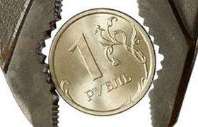 Рубль падает на слухах о девальвации