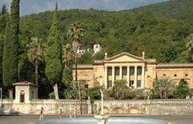 Туристов в Абхазии стали обслуживать хуже, заявил Багапш