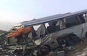 В столкновении автобуса и КАМАЗа под Саратовом пострадали 25 человек, сообщает Минздрав. ВИДЕО