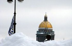 Матвиенко винит федеральные власти в том, Петербург завален снегом. ФОТО