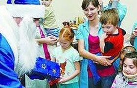 Компании в России меняют новогодние сувениры на благотворительность