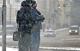 Начавшийся снегопад обещает парализовать Москву