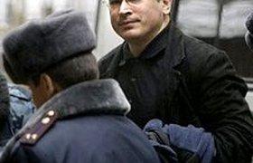 Суд считает показания Ходорковского и Лебедева противоречивыми