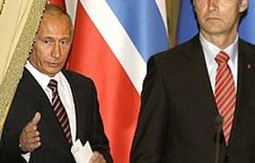 """WikiLeaks: Путин помог Тelenor спасти от суда долю в """"Вымпелкоме"""""""