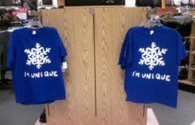 Теперь эти футболки точно никто не купит