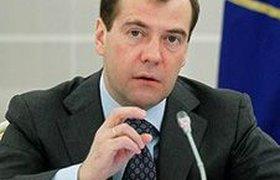 Медведев обещает поддержать иностранные инвестиции государственными