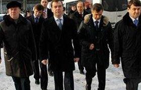 """Медведева обыскали в аэропорту """"Внуково"""". ВИДЕО"""