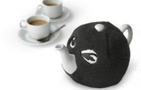 Чайник в маске