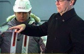 Медведев спросил у Дерипаски, куда ушли 70 млрд рублей. ВИДЕО