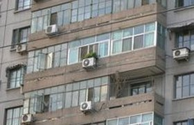 Москвичам разрешили устанавливать кондиционеры без спроса. ВИДЕО