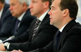 Медведев призвал бизнесменов выбрать кандидата в президенты