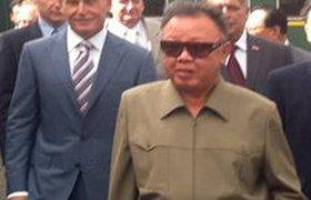 Ким Чен Ир на бронепоезде катится к Медведеву