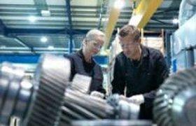 Как привлечь молодых людей на работу в производственный сектор