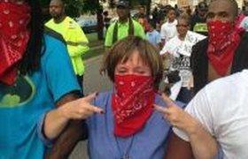 Массовые беспорядки в США из-за убийства чернокожего подростка. ФОТО. ВИДЕО