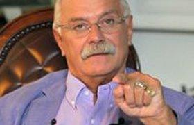 Пользователи соцсетей спорят, кто же прав по вопросу Украины: Макаревич с Собчак или Михалков?