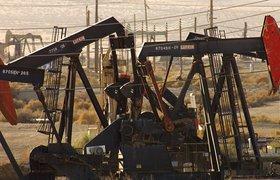 Экономисты: цены на нефть обрушились из-за укрепления доллара