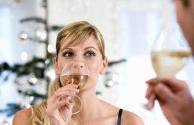Как правильно пить алкоголь в новогоднюю ночь: советы эксперта