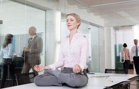 Йога в офисе: 22 упражнения, которые можно делать на рабочем месте