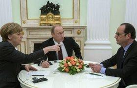 В выходные в соцсетях обсуждали переговоры Путина, Меркель и Олланда и искали сотрудниц-лесбиянок