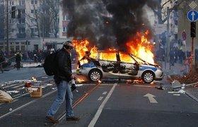 Массовые беспорядки во Франкфурте-на-Майне: около сотни раненых. ФОТО, ВИДЕО