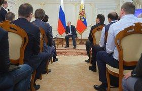 """В соцсетях - о том, как Путина """"запрограммировали"""""""