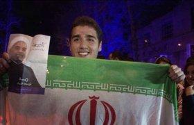 Жители Тегерана радуются перспективе снятия санкций. ФОТО