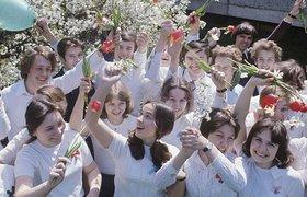 Выпускники школ и гимназий: до революции, в советский период, в наше время. ФОТО