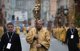 Какую жизнь ведет главный консерватор страны Виталий Милонов?
