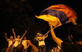 Пользователи соцсетей рассуждают, кто стоит за несостоявшимся Майданом в Армении