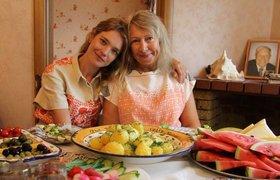 СК возбудил дело против сотрудников кафе, откуда выгнали мать и сестру Натальи Водяновой