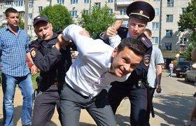 """Илья Яшин о задержавшем его лейтенанте: """"Законов не знает. Пишет с ошибками"""""""
