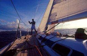 Бизнес-уроки миллионера, который руководит своими 10 компаниями из кругосветного путешествия на яхте