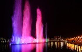 """В соцсетях говорят о фонтане в Чечне за 60 млрд рублей, """"которые, как водится, послал Аллах"""""""