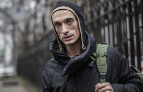 Художник-акционист Петр Павленский поджег дверь здания ФСБ в Москве и был задержан