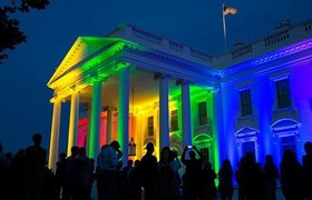Президент США Барак Обама снялся для обложки ЛГБТ-журнала