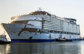 Самый большой в мире круизный лайнер Harmony of the seas, вышедший на первые морские испытания